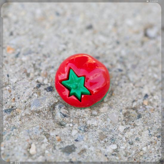 bouton tomato