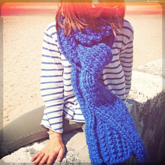 tricoter une grosse echarpe. Black Bedroom Furniture Sets. Home Design Ideas
