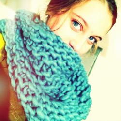 kit tricot snood facile au point de mousse en laine pour. Black Bedroom Furniture Sets. Home Design Ideas