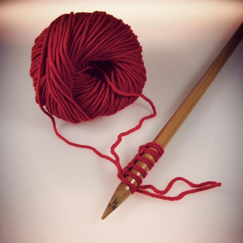 Tricoter avec 2 fils et 1 seule pelote